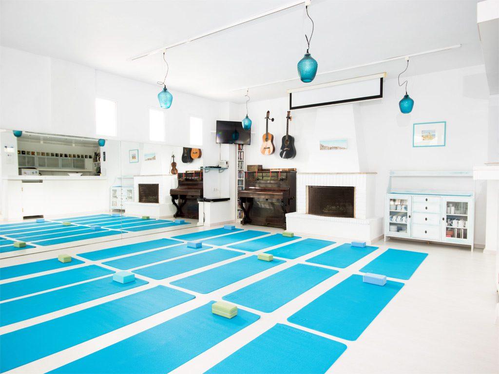 daphnes-hotel-workshops-yoga-13
