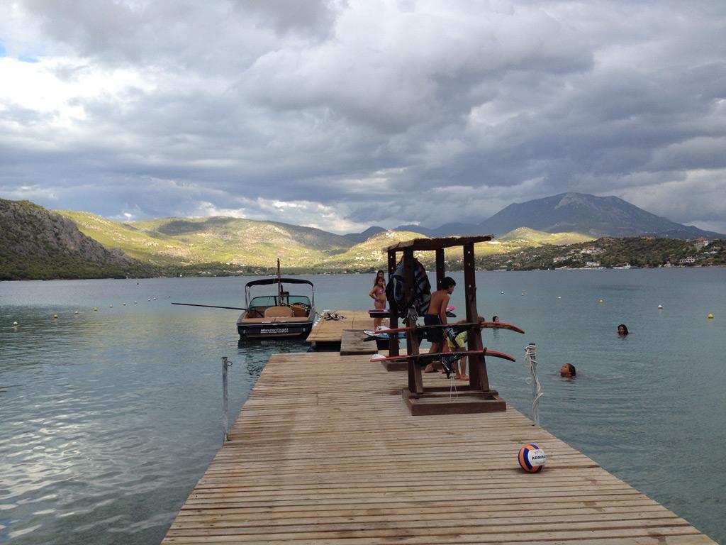 daphnes-hotel-activities-water-skiing-2