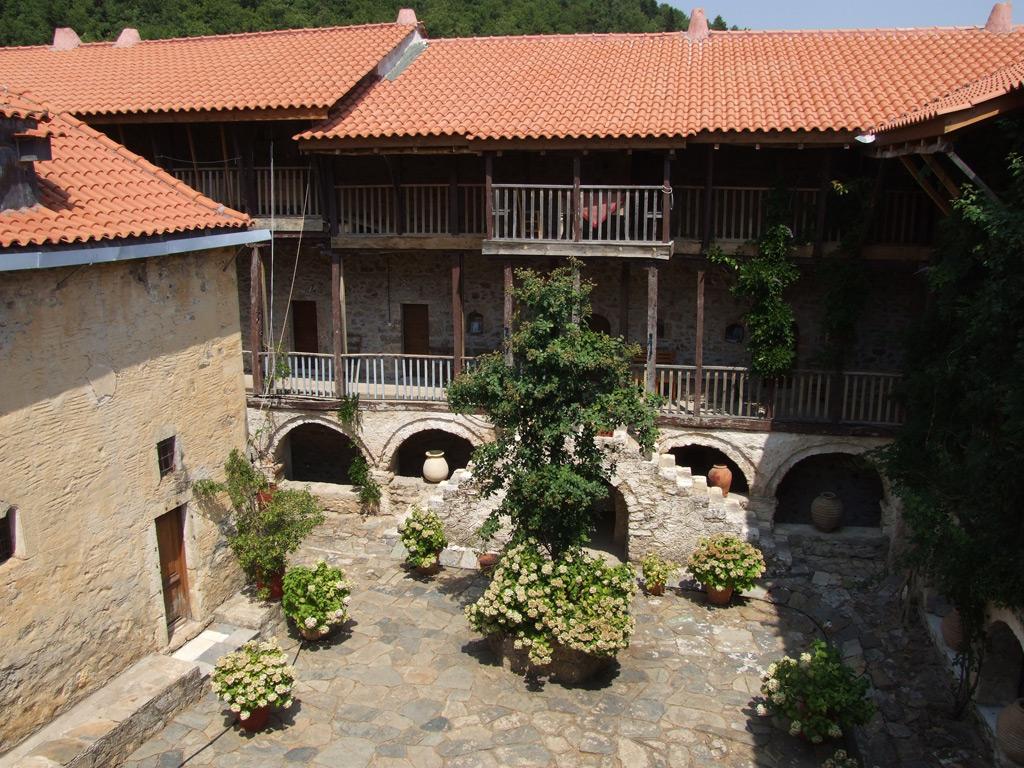Agios Georgios, Doxa