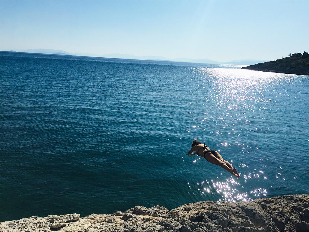 swimming megara